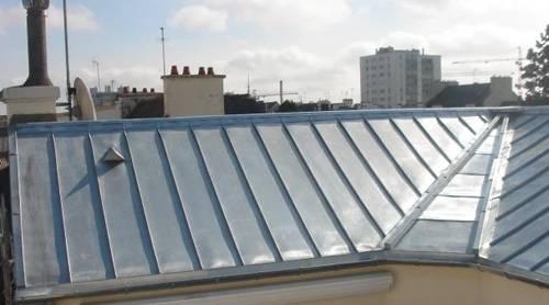 toiture-en-zinc-immeuble-paris-lasarthoise-couvreur-paris-94
