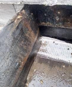 Recherche de fuite et test fumigène sur toiture terrasse gravillon